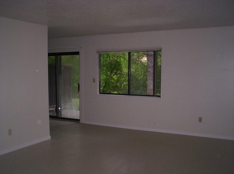 2 Bedroom Pet Unit Amc Tiao Property Management Manhattan Ks